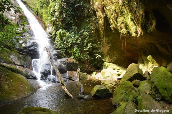 cachoeira da gruta do granito cachoeiras do alcantilado visconde de maua