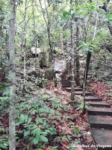 escadaria cachoeira serra azul nobres bom jardim