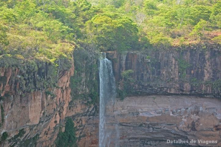 cachoeira veu de noiva chapada dos guimaraes mato grosso