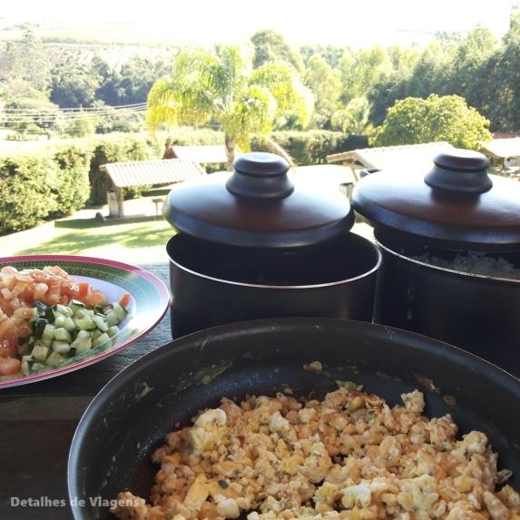cozinhando no camping