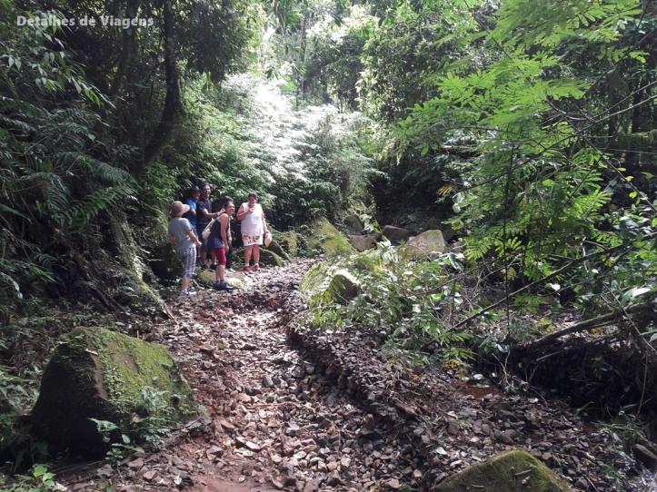 trilha cachoeira da ferradura