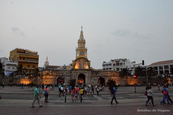 torre del reloj cartagena colombia relatos viagem roteiro