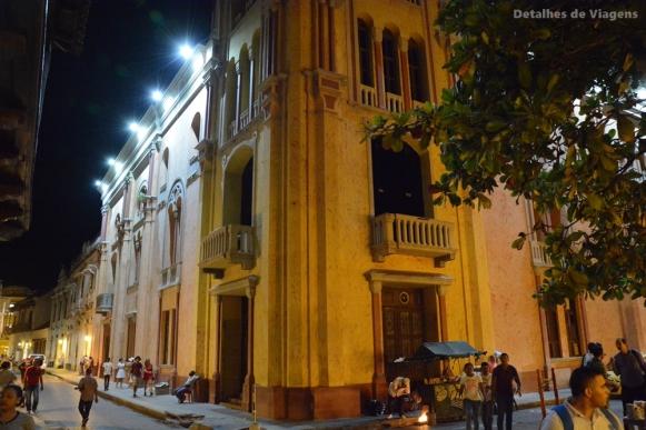 cartagena noturna ciudad amurallada noite
