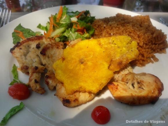 almoço ilha cartagena isla grande