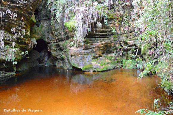 gruta do monjolinho trilha pico do piao ibitipoca