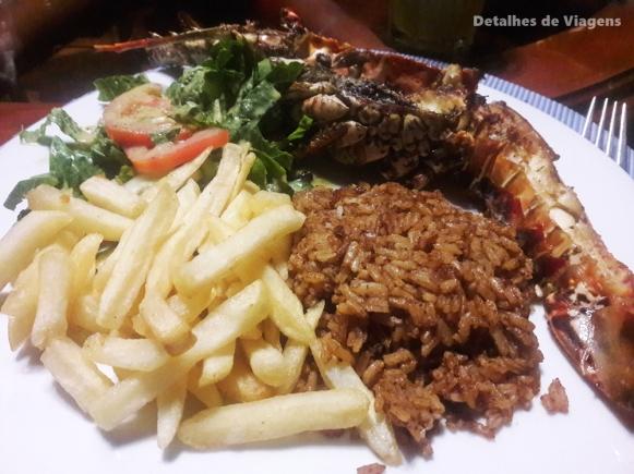 jantar isla grande gente de mar resort lagosta
