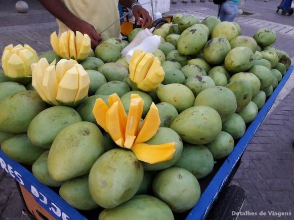 mango biche cartagena comida de rua