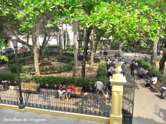 plaza de bolivar cartagena de indias