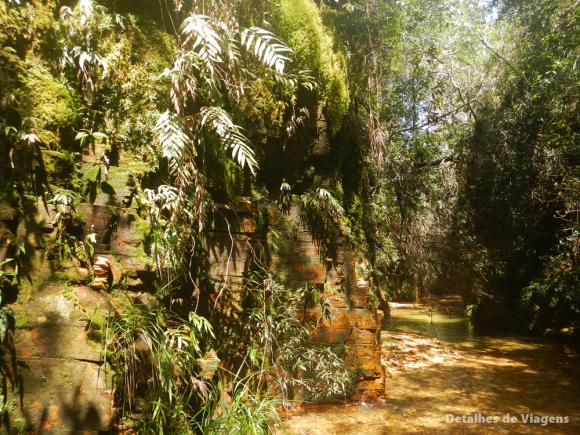 trilha do sol cachoeira poço dourado capitolio