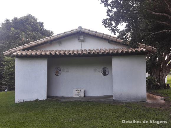 banheiros camping canarinho (1)
