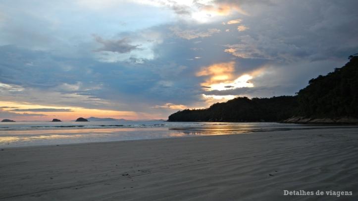 praia-da-fazenda-ubatuba-relatos-de-viagem-litoral-norte-2
