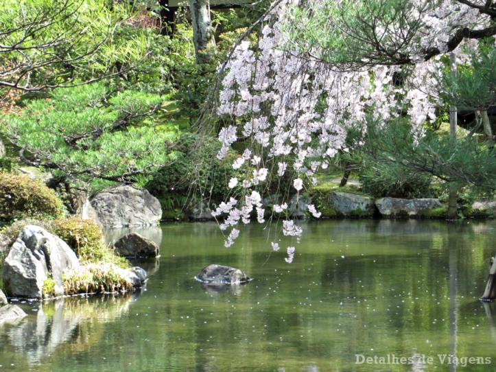 heian-shrine-jardim-cerejeira-chorona-sakura-lago-kyoto-quioto-relatos-viagem-japao-roteiro-3