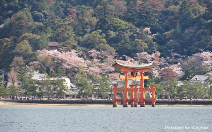 miyajima grande torii flutuante roteiro japao relatos de viagem dicas o que fazer.png