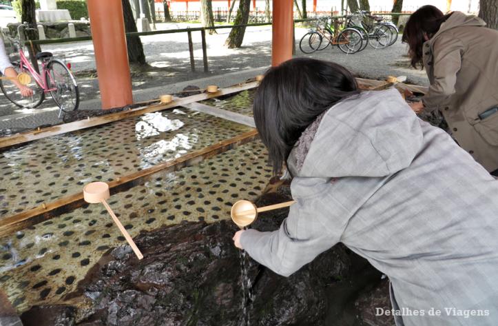 temizuya-heian-shrine-ritual-de-purificacao-xintoismo-2