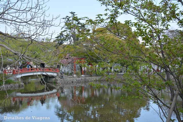 kamakura hachimangu santuario lago.png