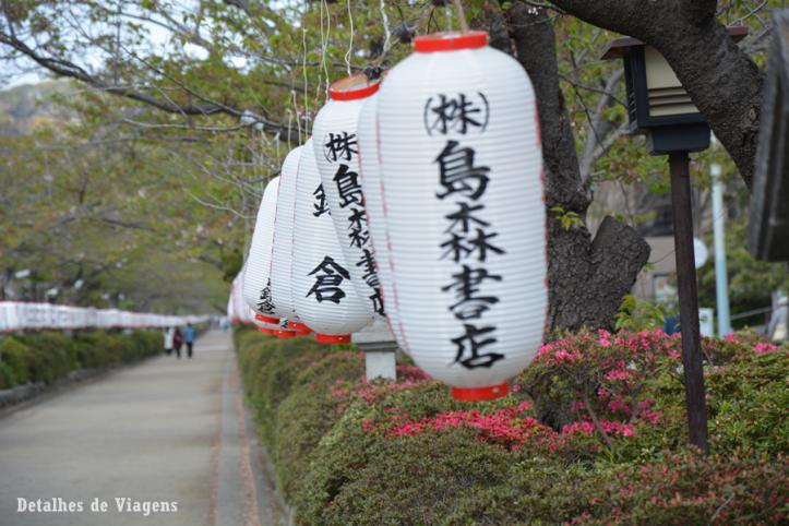 Tsurugaoka Hachimangu Shrine kamakura lanternas japao roteiro relatos viagem dicas 2.png