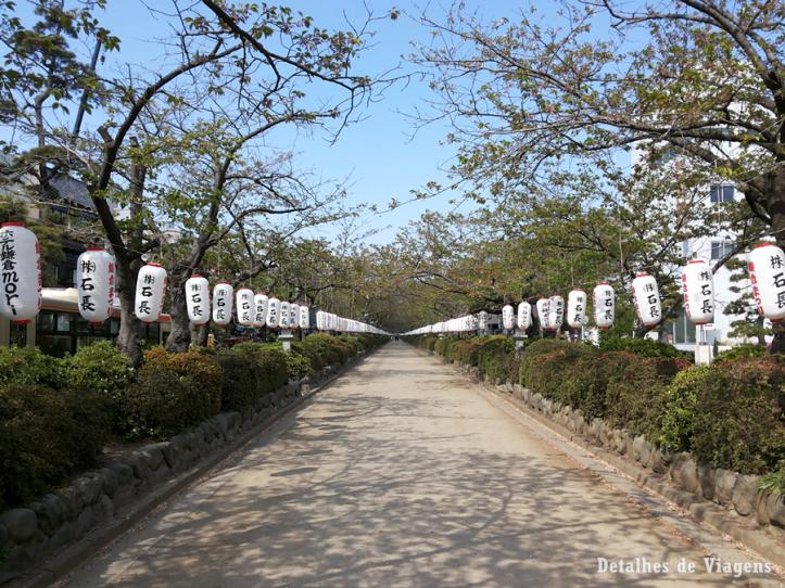 Tsurugaoka Hachimangu Shrine kamakura lanternas japao roteiro relatos viagem dicas.png