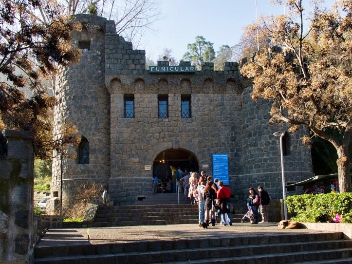 Estación Funicular Pio Nono cerro san cristobal santiago chile pontos turisticos o que visitar relatos viagem.jpg