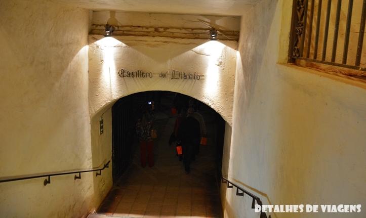 vinicola concha y toro casillero del diablo tour tradicional enoturismo relatos viagem santiago chile
