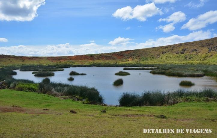 cratera vulcao rano raraku lagoa ilha de pascoa 2