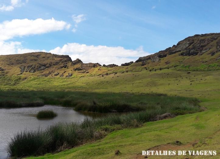 cratera vulcao rano raraku lagoa ilha de pascoa relatos viagem