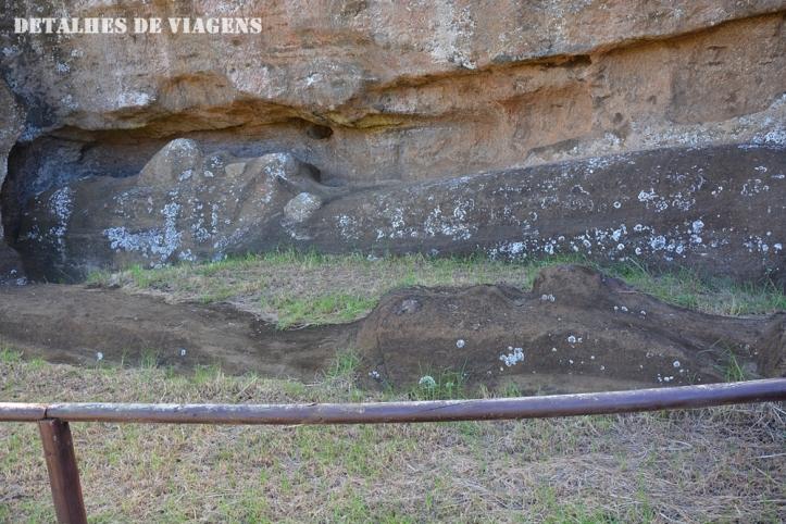 moai esculpido cratera rano raraku ilha de pascoa