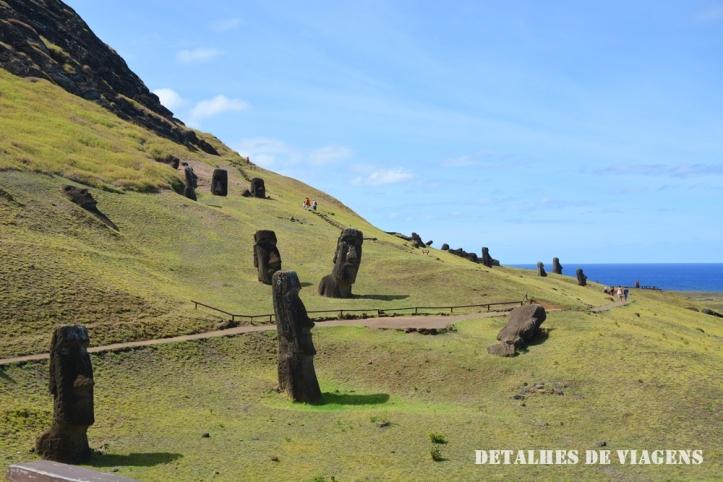 rano raraku fabrica de moai ilha de pascoa estatuas .JPG