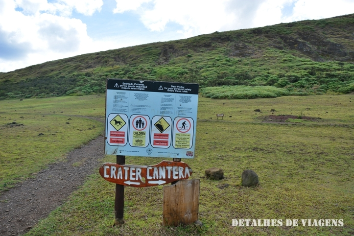 rano raraku tour ilha de pascoa moai relatos viagem.JPG