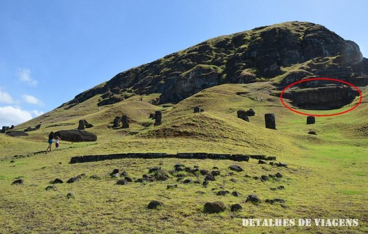 vulcao rano raraku pedreira moai sitio arqueologico ilha de pascoa.JPG